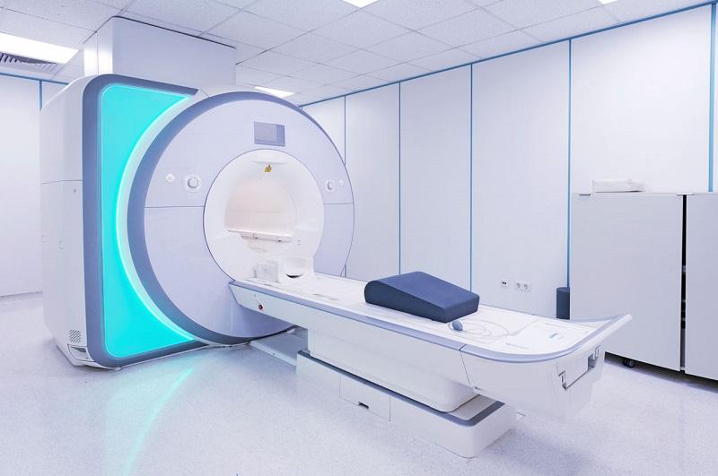 مروری بر کاربرد دستگاه cnc در صنایع پزشکی